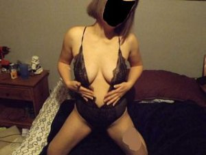 Ryhem topless escorts Mobile, AL