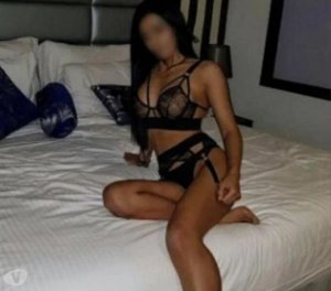 Hadjera topless escort girls in Bowling Green, KY